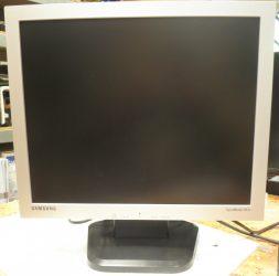 "19"" Samsung 913V N használt monitor"